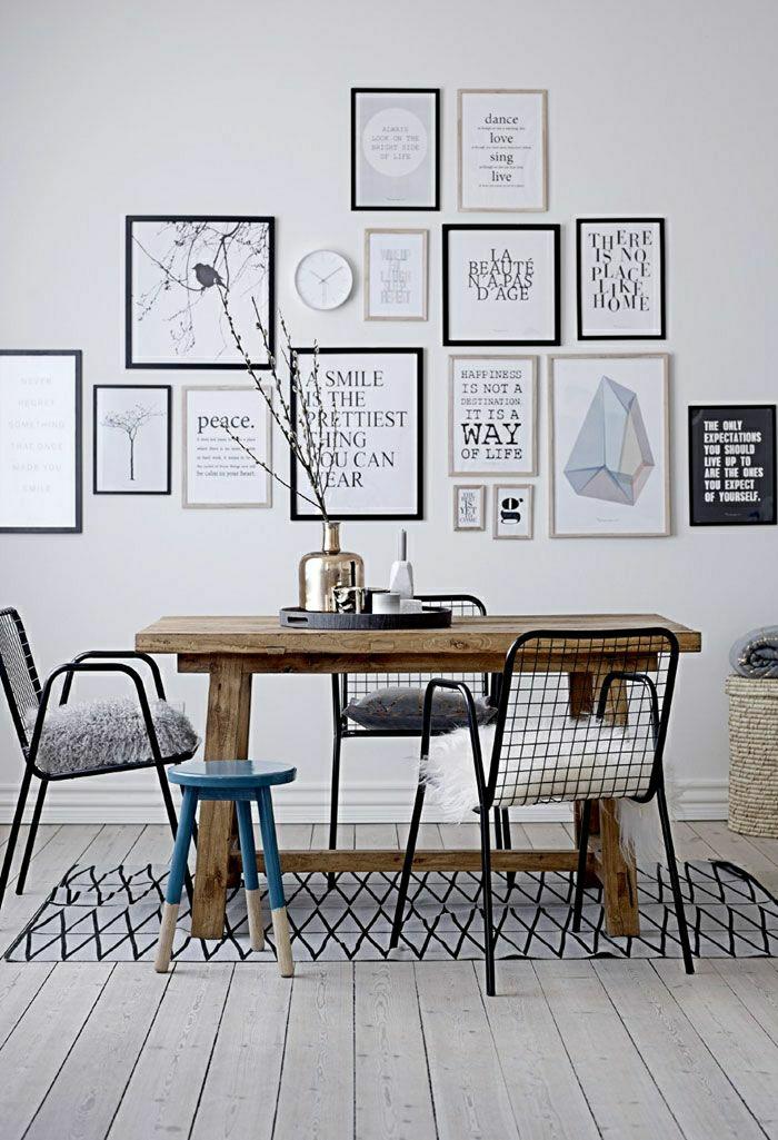 Esszimmer-Esstisch-rustikal-blauer-Hocker-moderne-Wandbilder-schwarz-weiß-Sprüche
