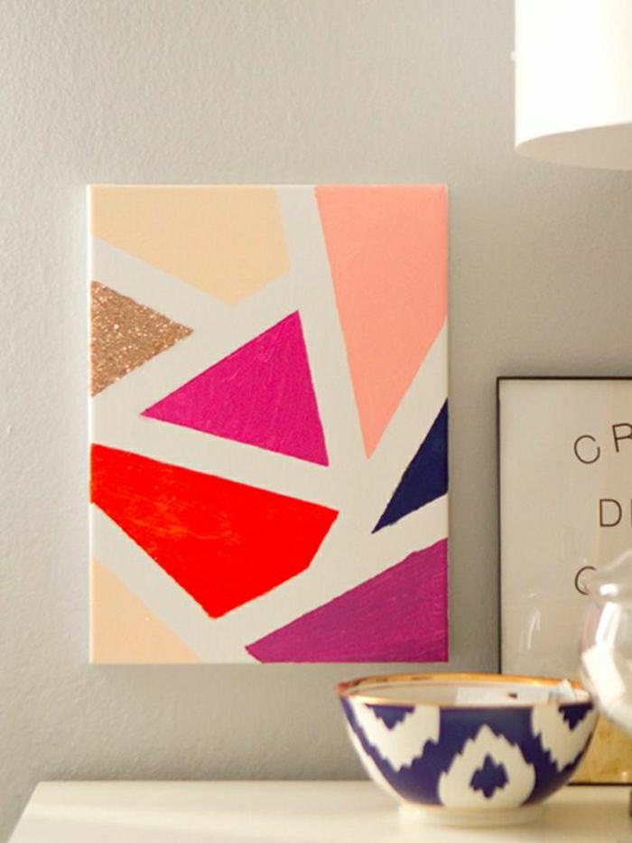 Esszimmer-minimalistische-Einrichtung-Wandbild-Mosaik