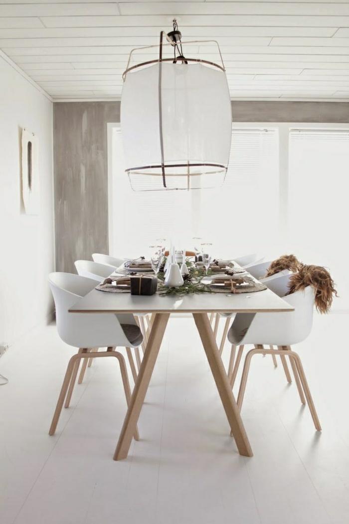 Esszimmer-weiß-skandinavisch-minimalistisch-industrielle-Lampe