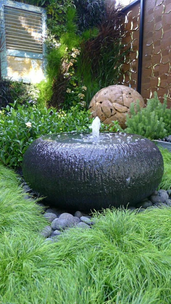 Garten-Hof-Wasserbrunnen-Gras-dekorative-Steine