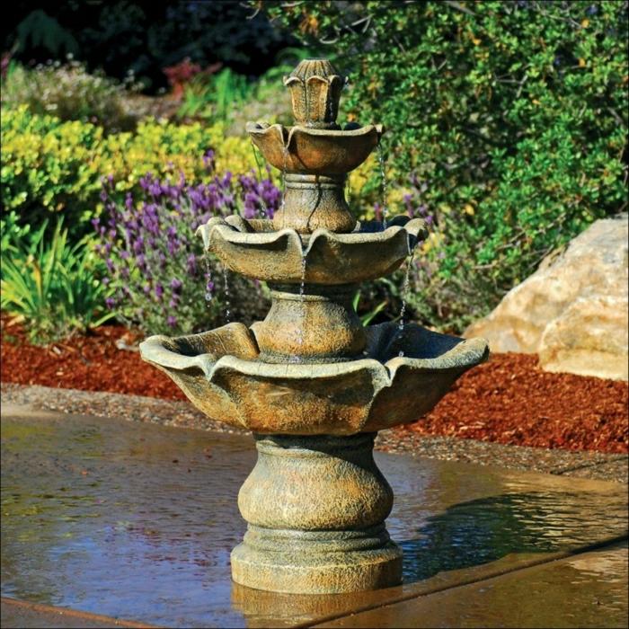 Garten-Wasserbrunnen-aristokratisch-klassisch