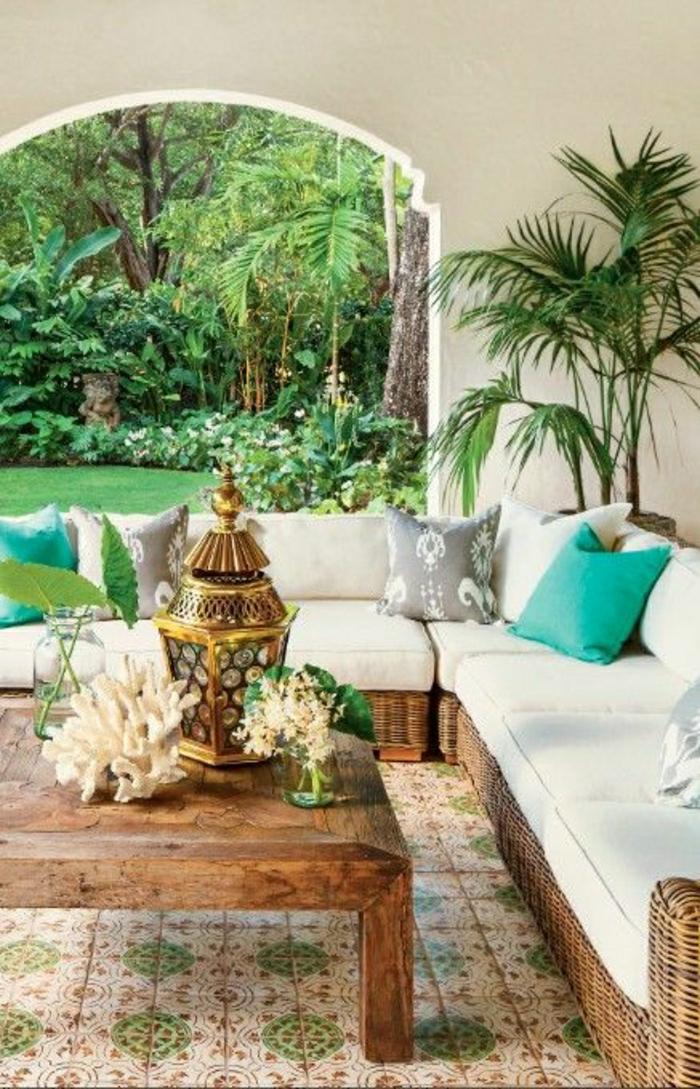 Garten-mediterraner-Stil-spanisch-türkisgrüne-Kissen-Meeressouvenirs-Palmen