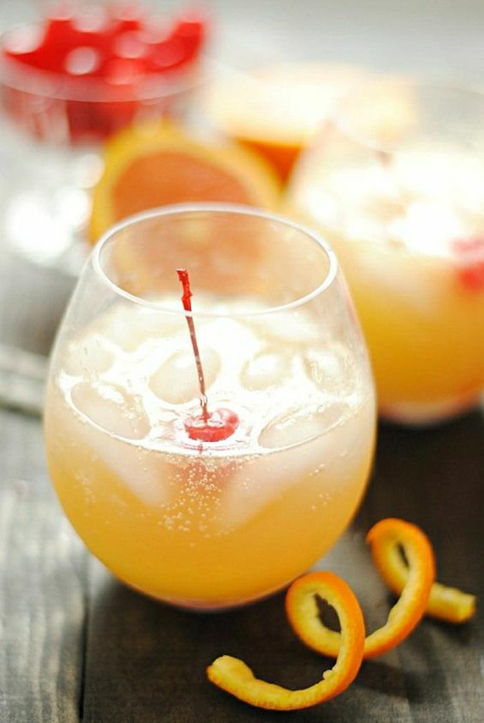 Gefrorener-Orangensaft-Gingerale-Maraschino-Kirschen