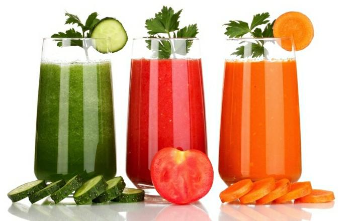 Gemüse-Smoothies-Gurke-Tomate-Karotte