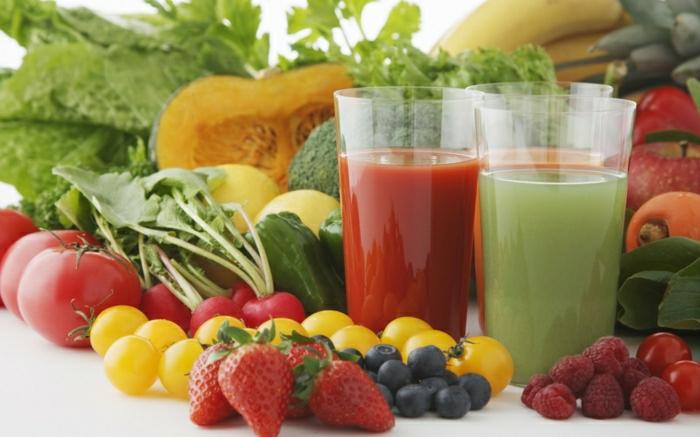 Gemüse-und-Früchte-Smoothies
