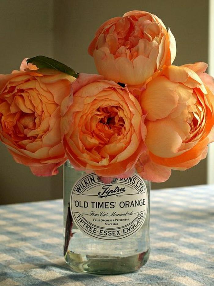 Hausdekoration-vintage-Einweckglas-orange-Blumen