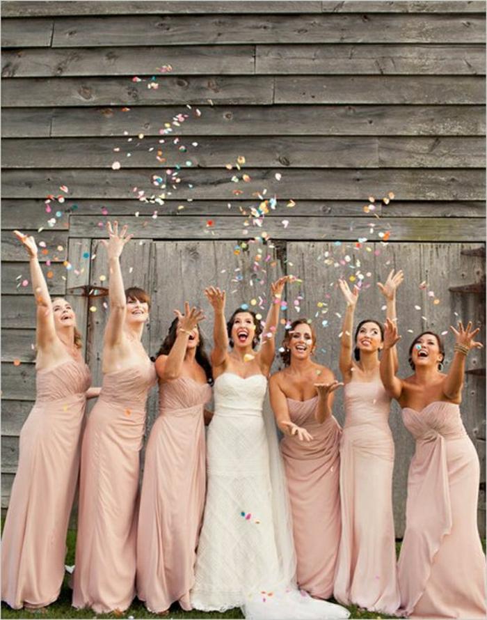 Hochzeit-Brautjungfern-Braut-Konfetti