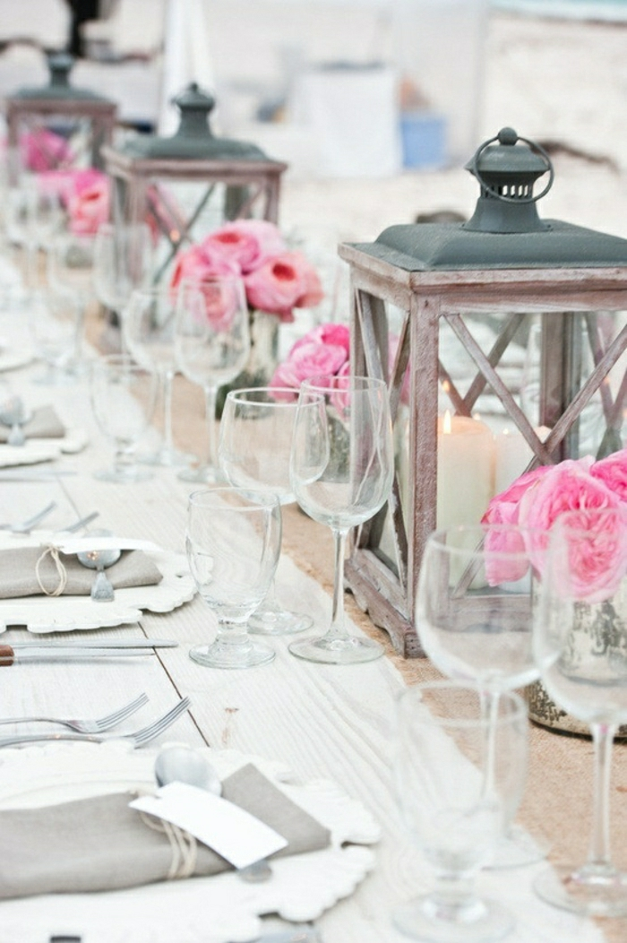 Hochzeit-Tisch-Dekoration-Blumen-Laternen-Kerzen