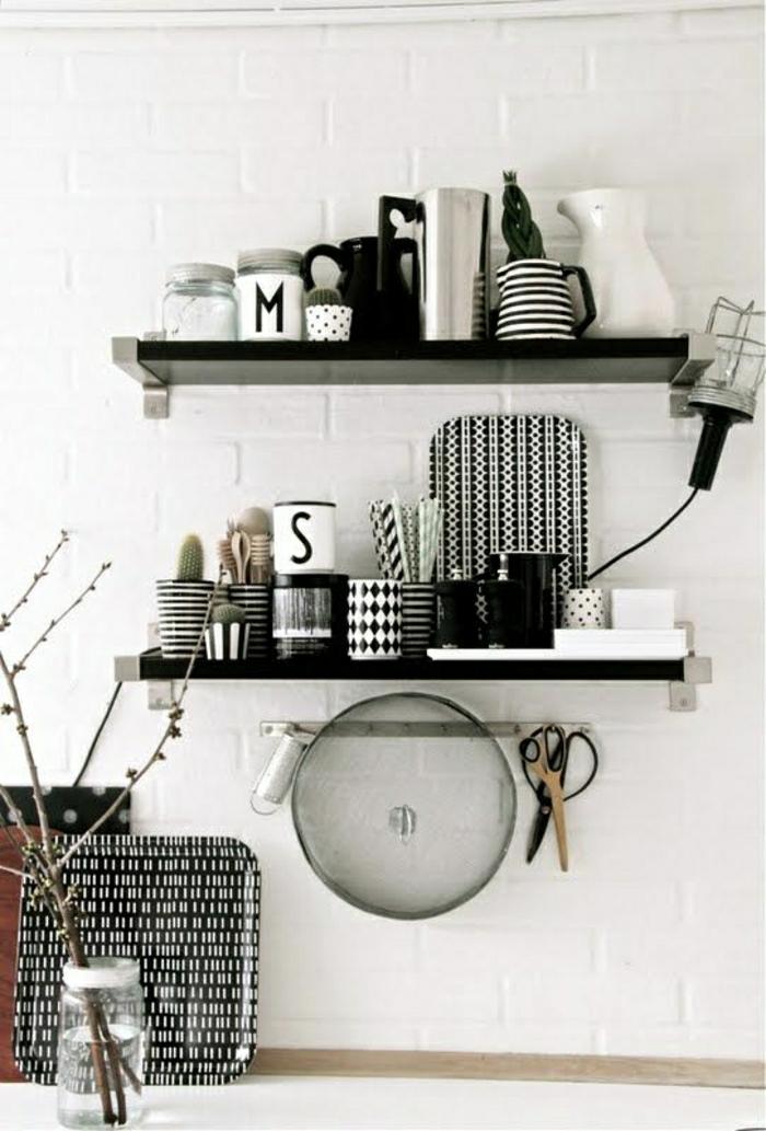 Küche-skandinavisches-Design-schwarz-weiß-graphische-Muster-Kaffeetassen-Geschirr
