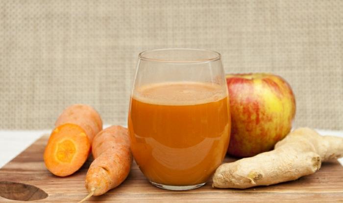 Karotte-Ingwer-Apfel-Smoothie