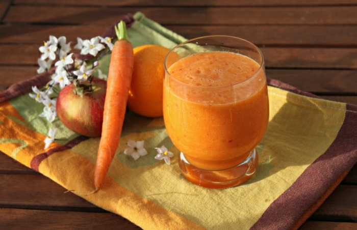 Karotte-Orange-Apfel-Smoothie