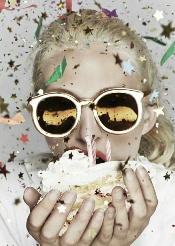 Mädchen-Blondine-Party-Kuchen-dekorative-goldene-Sterne