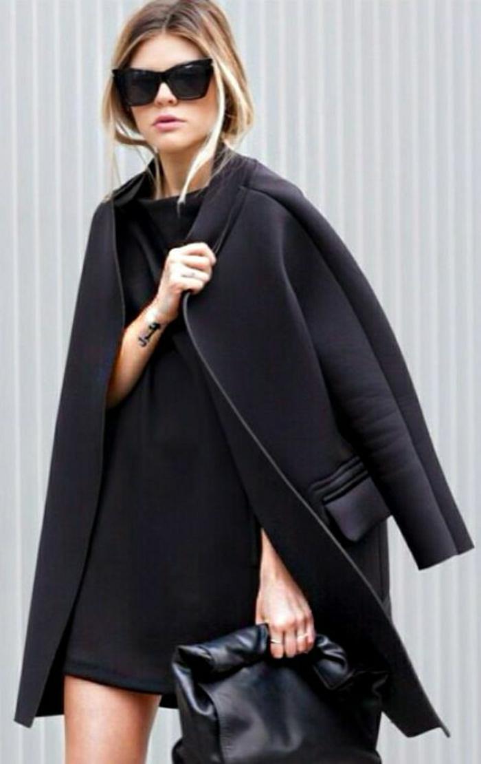 Mantel-Kleid-Clutch-Sonnenbrille-alles-schwarz-elegant