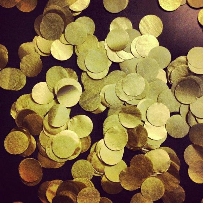 Metall-goldene-Konfetti-Party