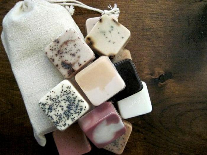 Mini-handgemachte-Naturseifen-Beutel-Kollektion