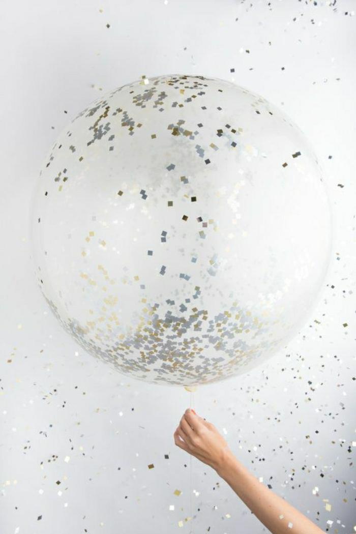 Party-Ballon-goldene-silberne-Konfetti