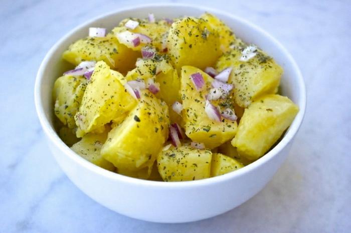Patatosalata-griechischer-Kartoffeln-Salat