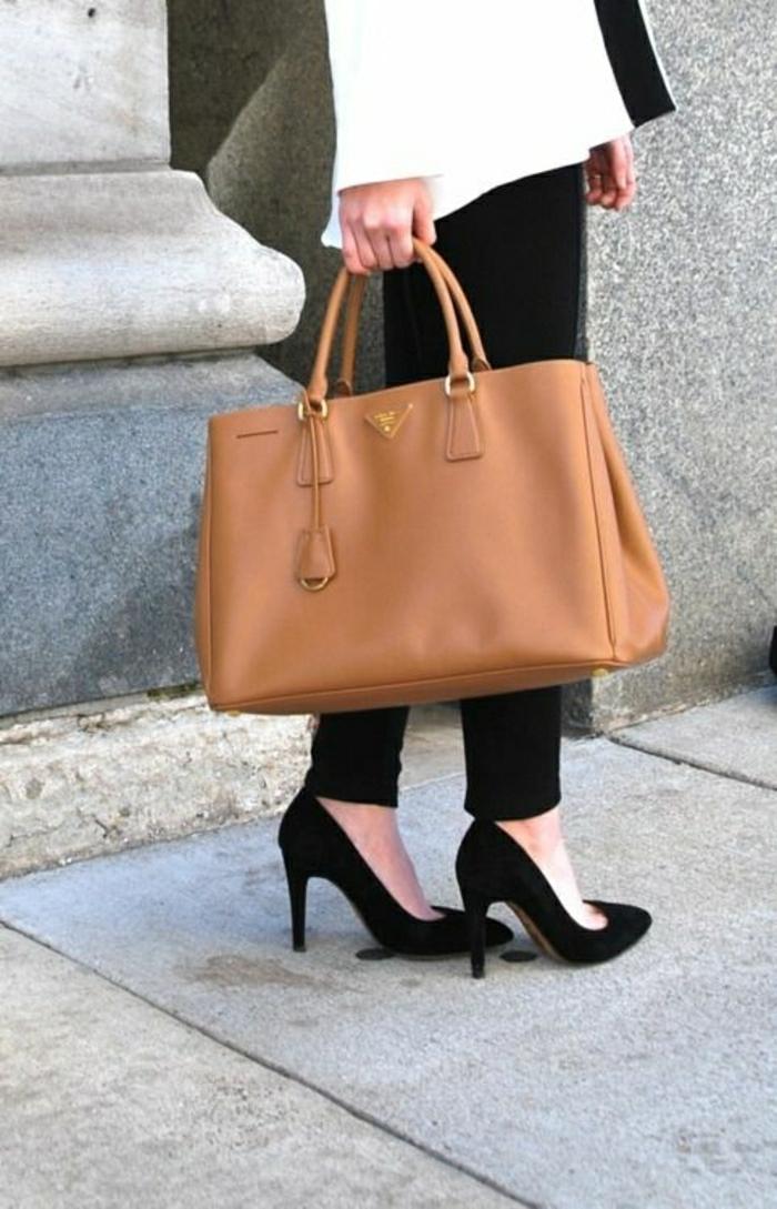 Prada-Tasche-elegante-Vision-schwarz-weiß