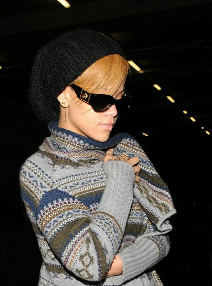 Rihanna-mit-schönen-Versace-Sonnenbrillen