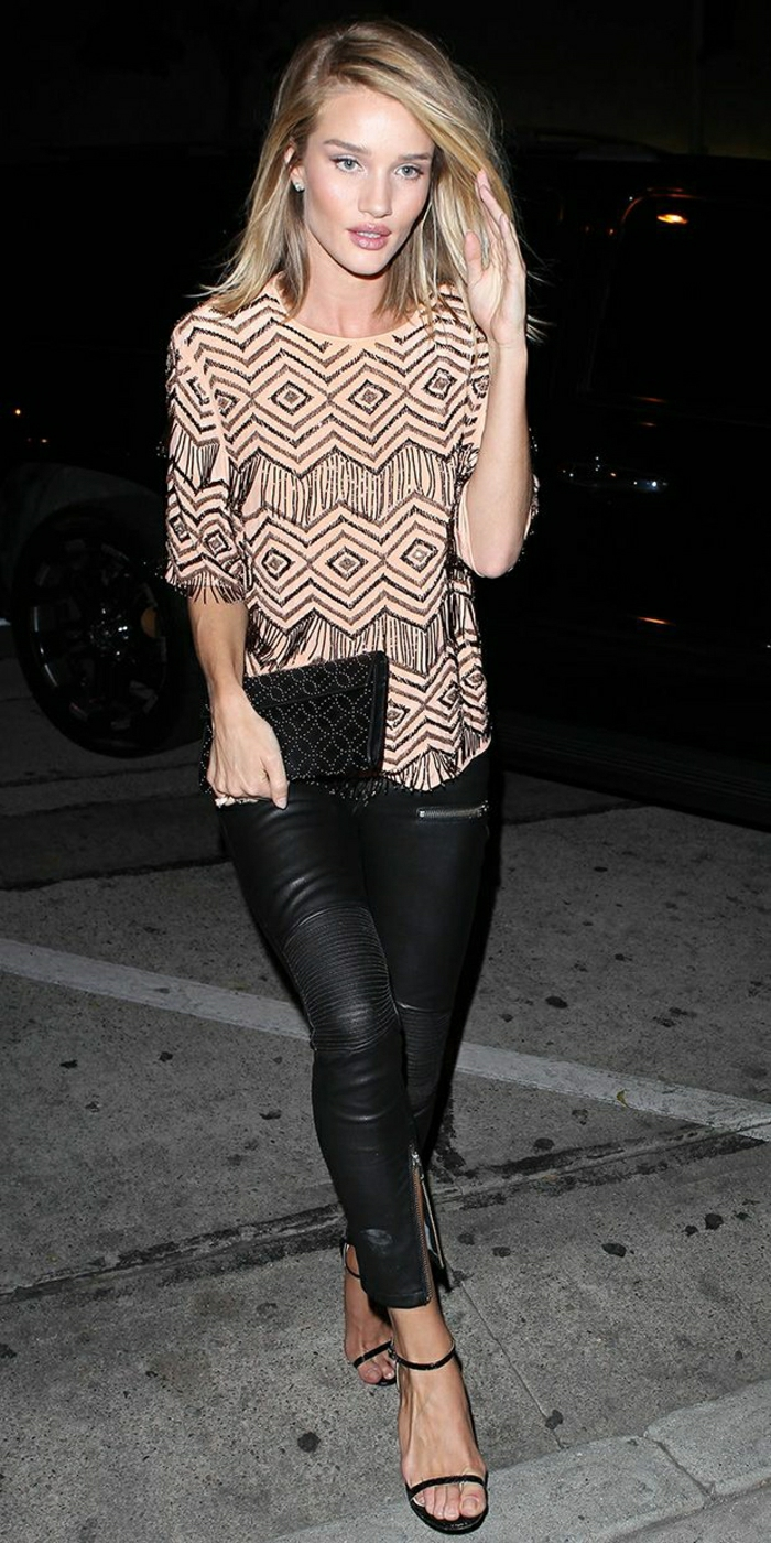 Rosie-Huntington-Whiteley-Lederhosen-Clutch-schwarz