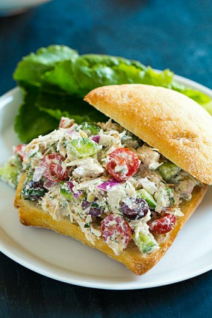 Sandwich-griechischer-Salat-Brot
