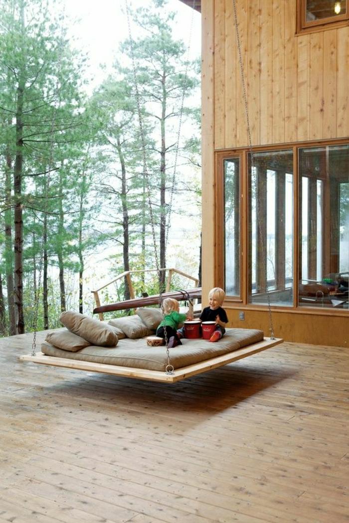Schaukel-Veranda-Bett-Haus-Glas-Holz-skandinavisch-Kinder-Wald