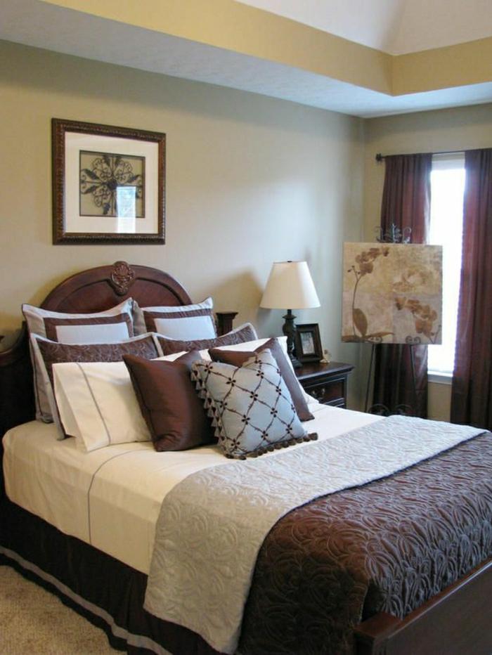 Schlafzimmer-Bettwäsche-Gardinen-lila-Kissen-grau-Bilder