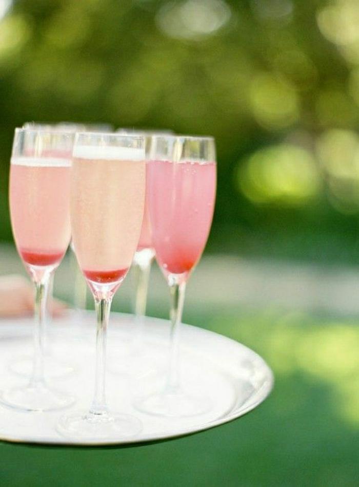 Sektgläser-Party-Hochzeit