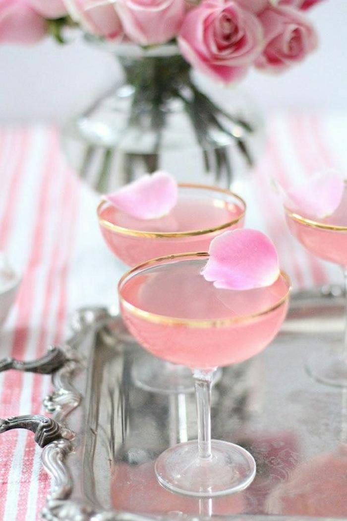 Gläser-Wein-Champagner-rosa