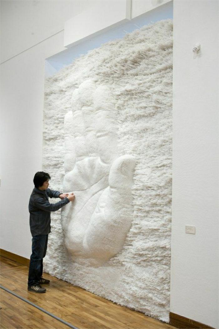 Skulptur-Hand-weiße-Strohe