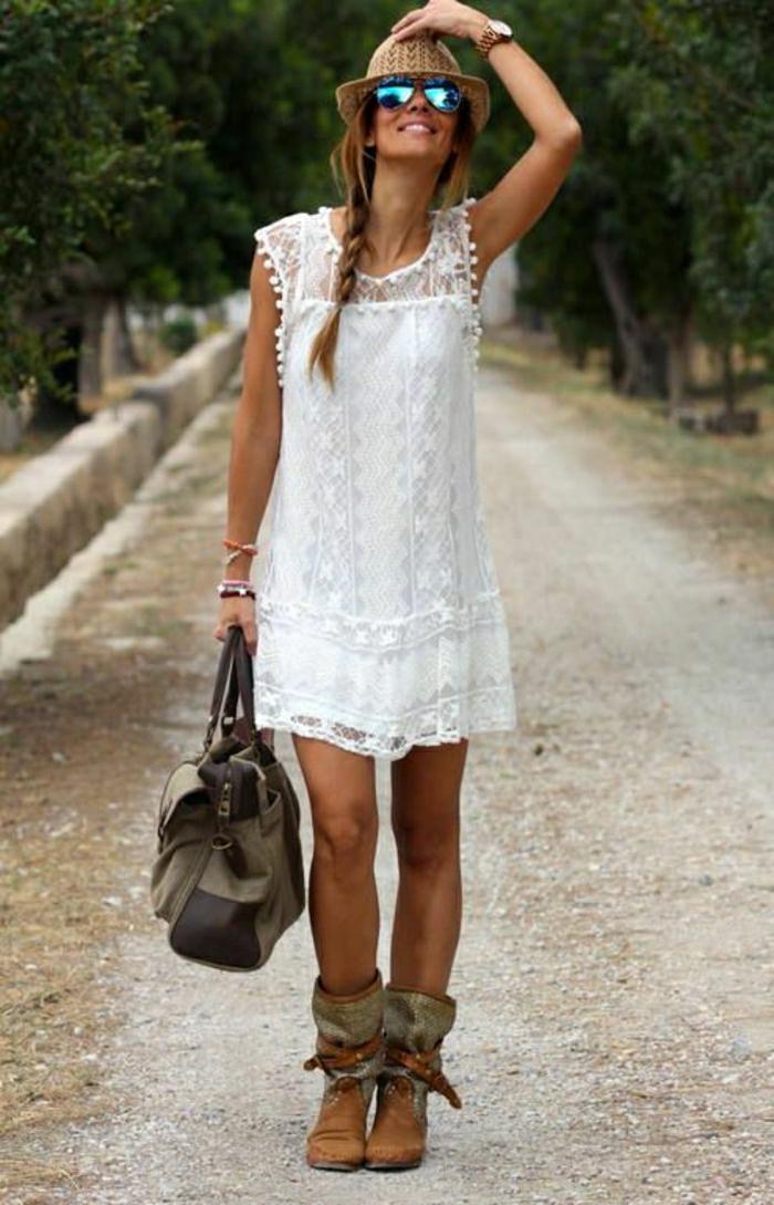 Sommerkleid-weiß-Strohhut-Sonnenbrille