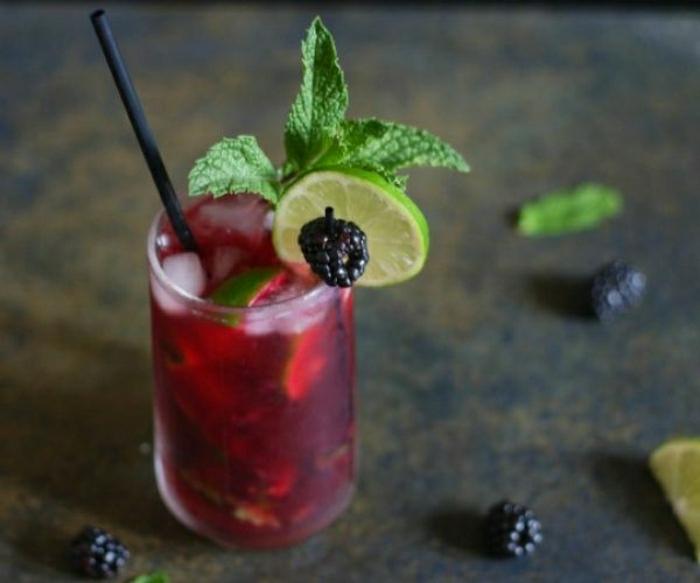 alkoholfreie-Cocktails-Brombeeren-Limone-Minze