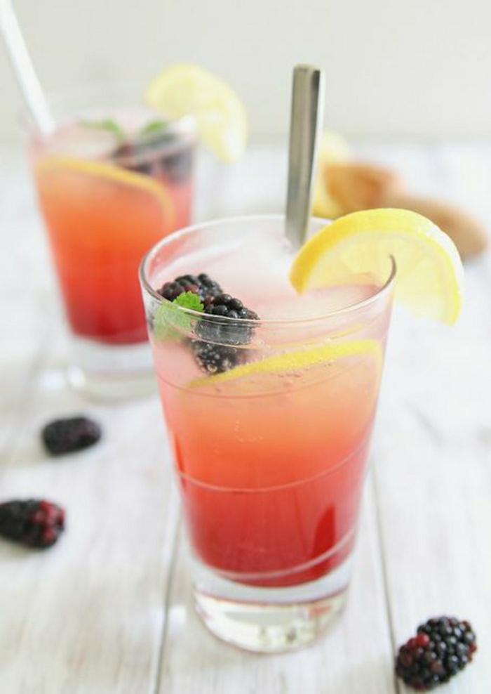 alkoholfreie-Cocktails-Brombeeren-Zitrone-Minze