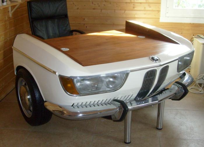 coole diy idee m bel aus autoteilen. Black Bedroom Furniture Sets. Home Design Ideas