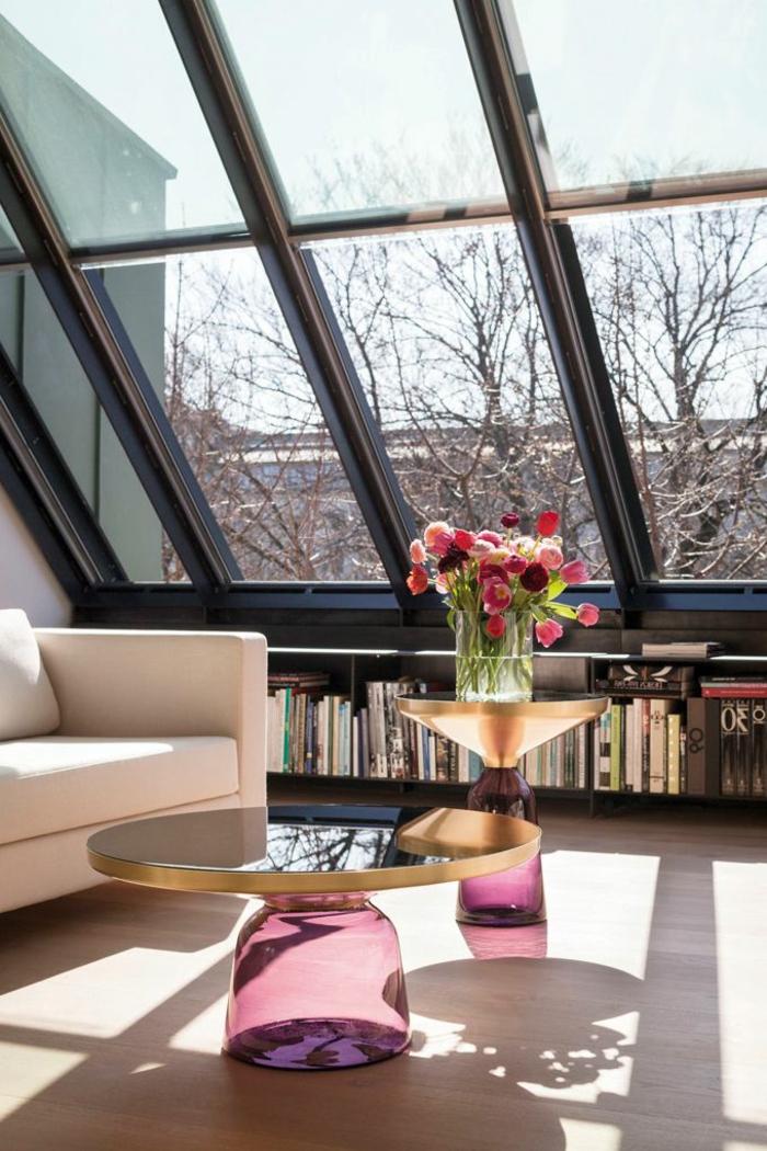 außergewöhnliche-wohnideen-wohnzimmer-in-dachwohnung-schöne-fenster