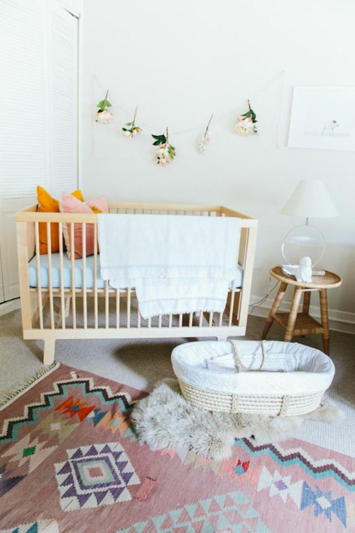 babyzimmer-design-bunter-teppich