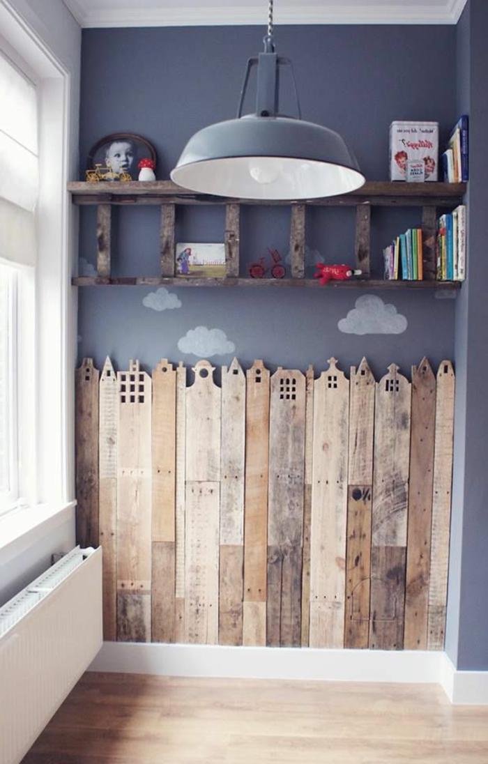 babyzimmer-design-hölzerne-bretter-an-der-wand