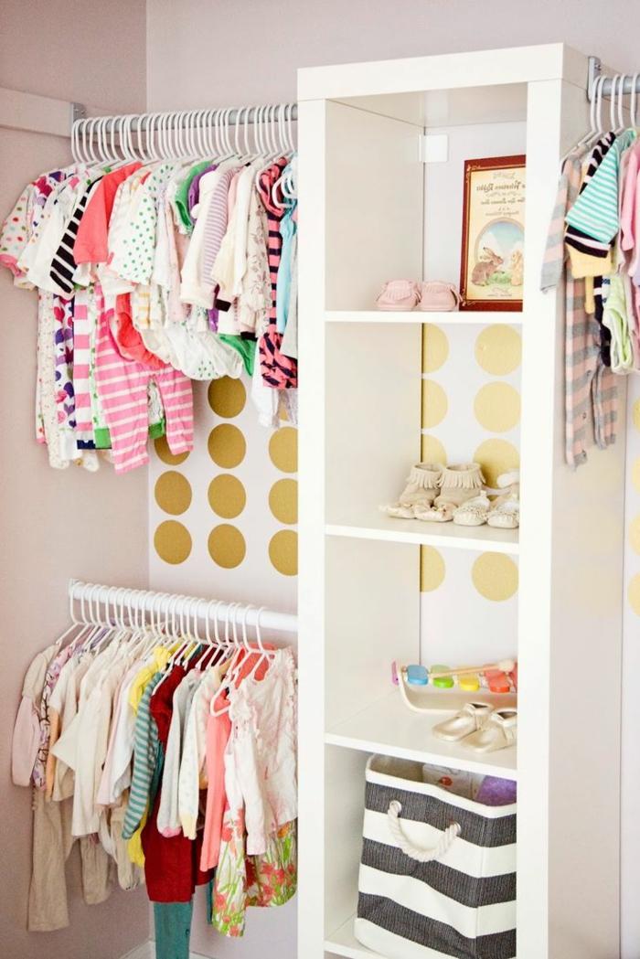 babyzimmer-design-offener-moderner-schrank