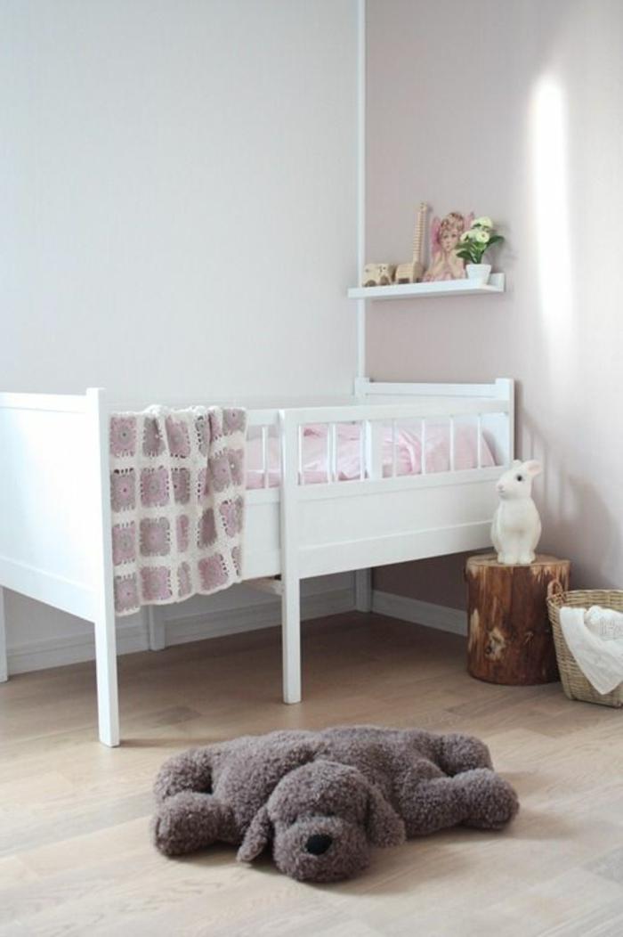 babyzimmer-design-schönes-babybett-in-weiß