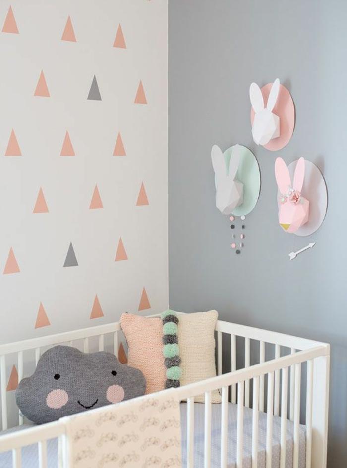 babyzimmer-design-schlichte-farbschemen-weißes-babybett