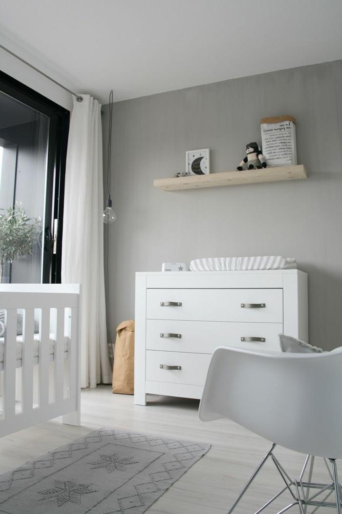 babyzimmer-design-weißer-schrank-graue-wände