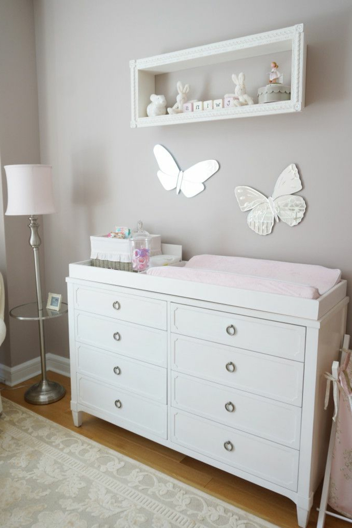 babyzimmer-design-weißer-schrank-mit-schubladen