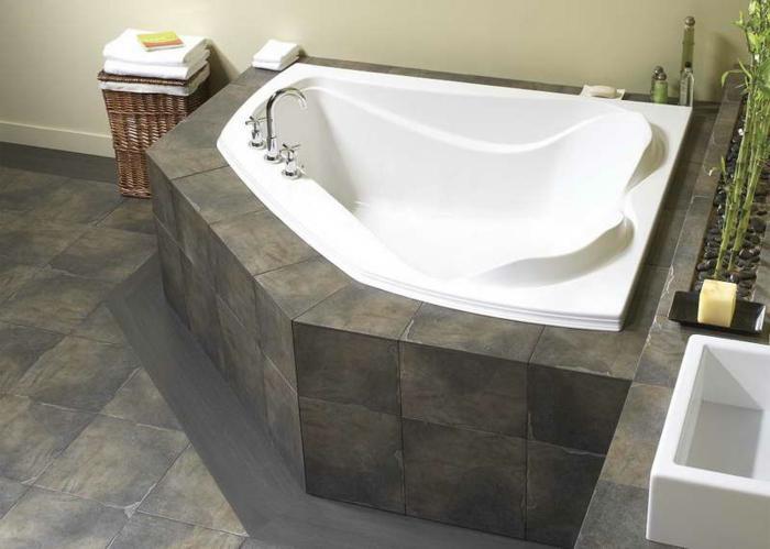 Badeinrichtungen ideen eine eckige badewanne