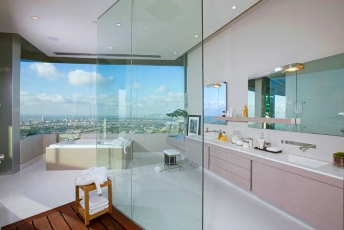 badeinrichtungen-ideen-gläserne-wand-trennwand