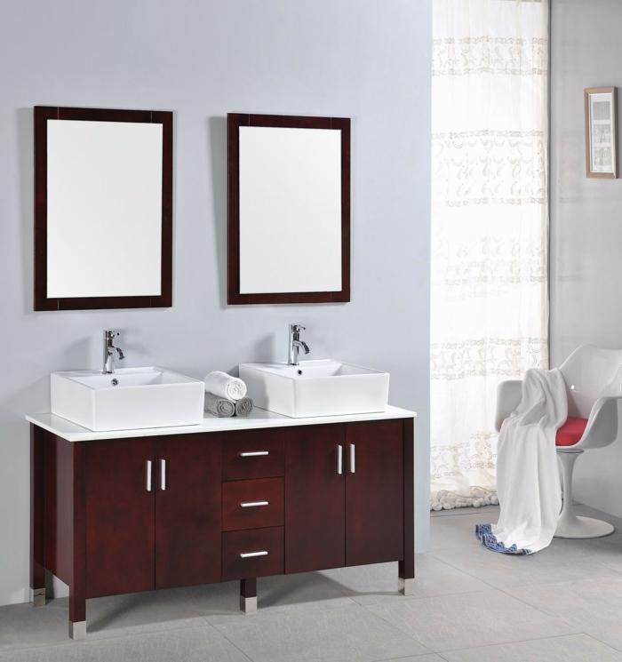 Badeinrichtungen ideen hölzerner schrank zwei spiegel