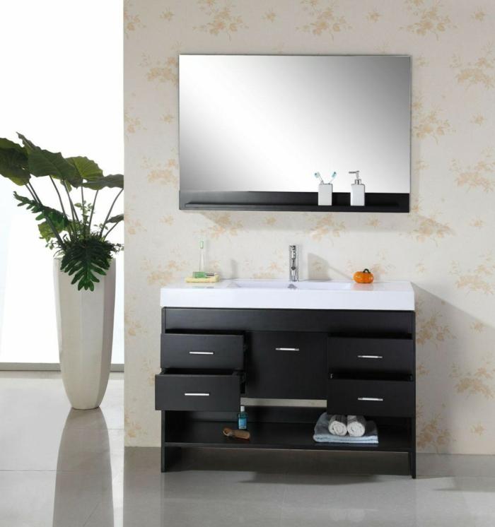 badeinrichtungen-ideen-moderner-spiegel