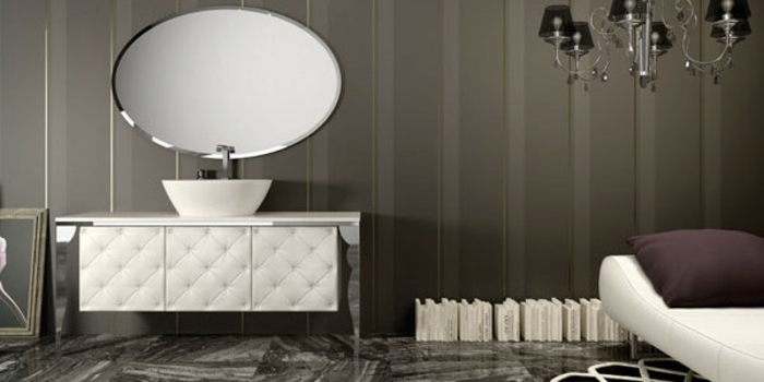 badeinrichtungen-ideen-ovalförmiger-spiegel