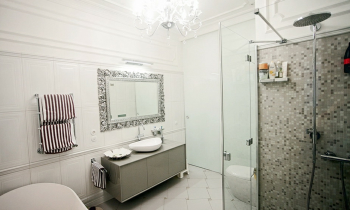 badeinrichtungen-ideen-weiß-und-elegant