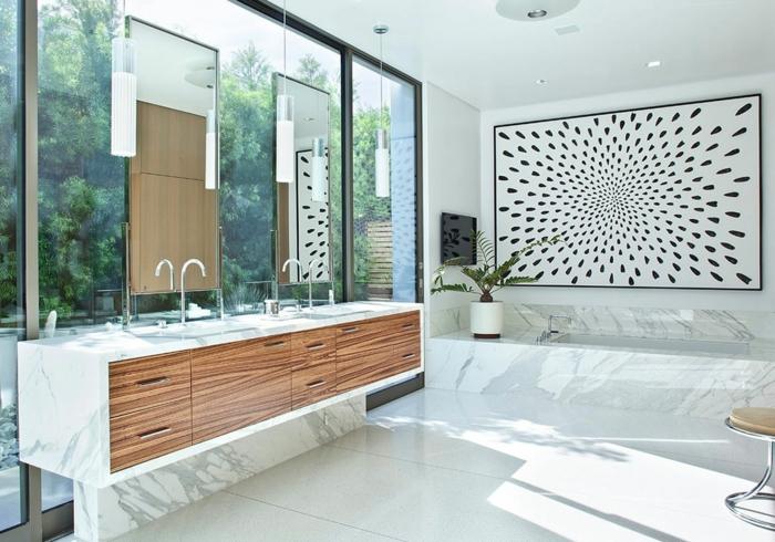 badeinrichtungen-ideen-weiße-wandgestaltung