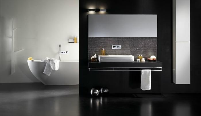 Badezimmer In Schwarz Großer Eckiger Spiegel